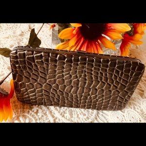Handbags - Vintage wallet clutch